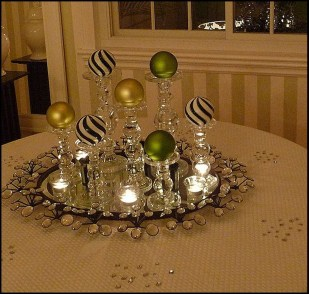 Simple And Easy Christmas Centerpieces Ideas10