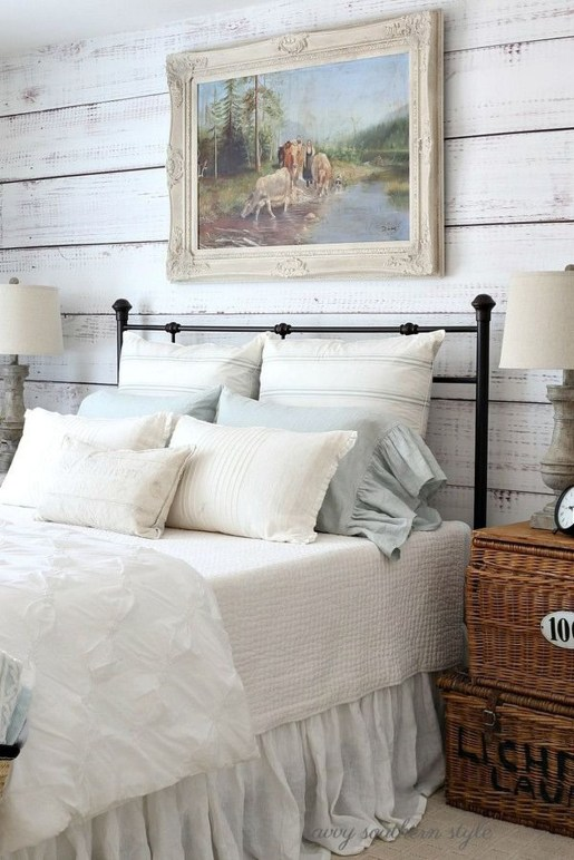 Totally Adorable French Bedroom Decoration Ideas35