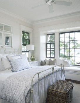 Totally Adorable French Bedroom Decoration Ideas39
