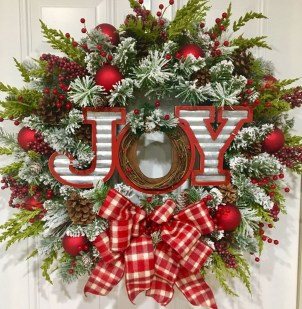 Totally Fun Candy Cane Christmas Decoration Ideas For Your Home11