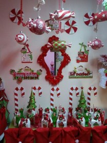 Totally Fun Candy Cane Christmas Decoration Ideas For Your Home28