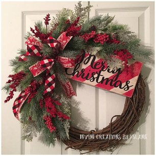 Totally Fun Candy Cane Christmas Decoration Ideas For Your Home40