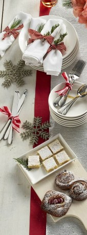 Totally Fun Candy Cane Christmas Decoration Ideas For Your Home42