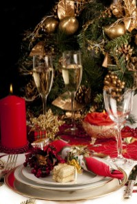 Totally Inspiring Red And Gold Christmas Decoration Ideas 04