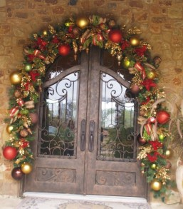 Totally Inspiring Red And Gold Christmas Decoration Ideas 23