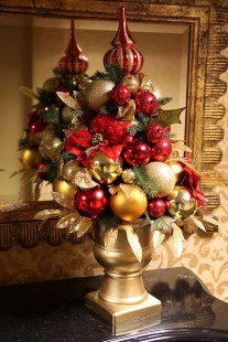 Totally Inspiring Red And Gold Christmas Decoration Ideas 38