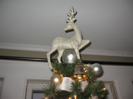 Unique But Inspiring Christmas Tree Toppers Decoration Ideas 08