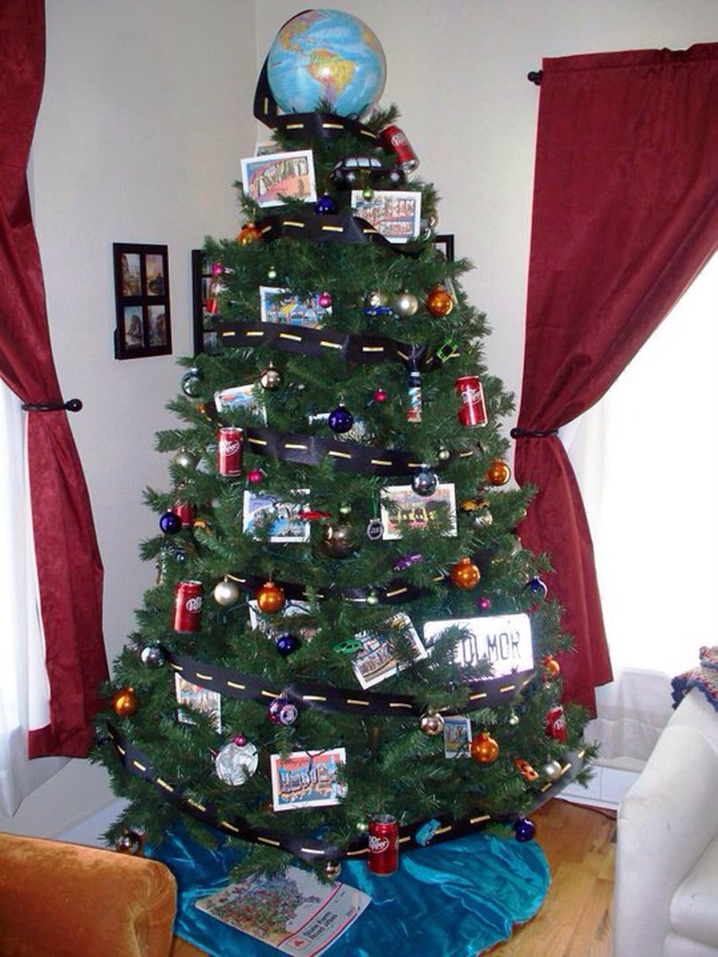 Unique But Inspiring Christmas Tree Toppers Decoration Ideas 19