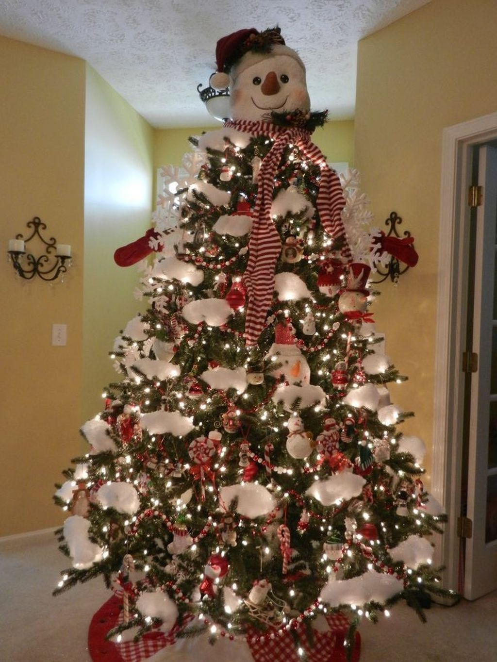 Unique But Inspiring Christmas Tree Toppers Decoration Ideas 45