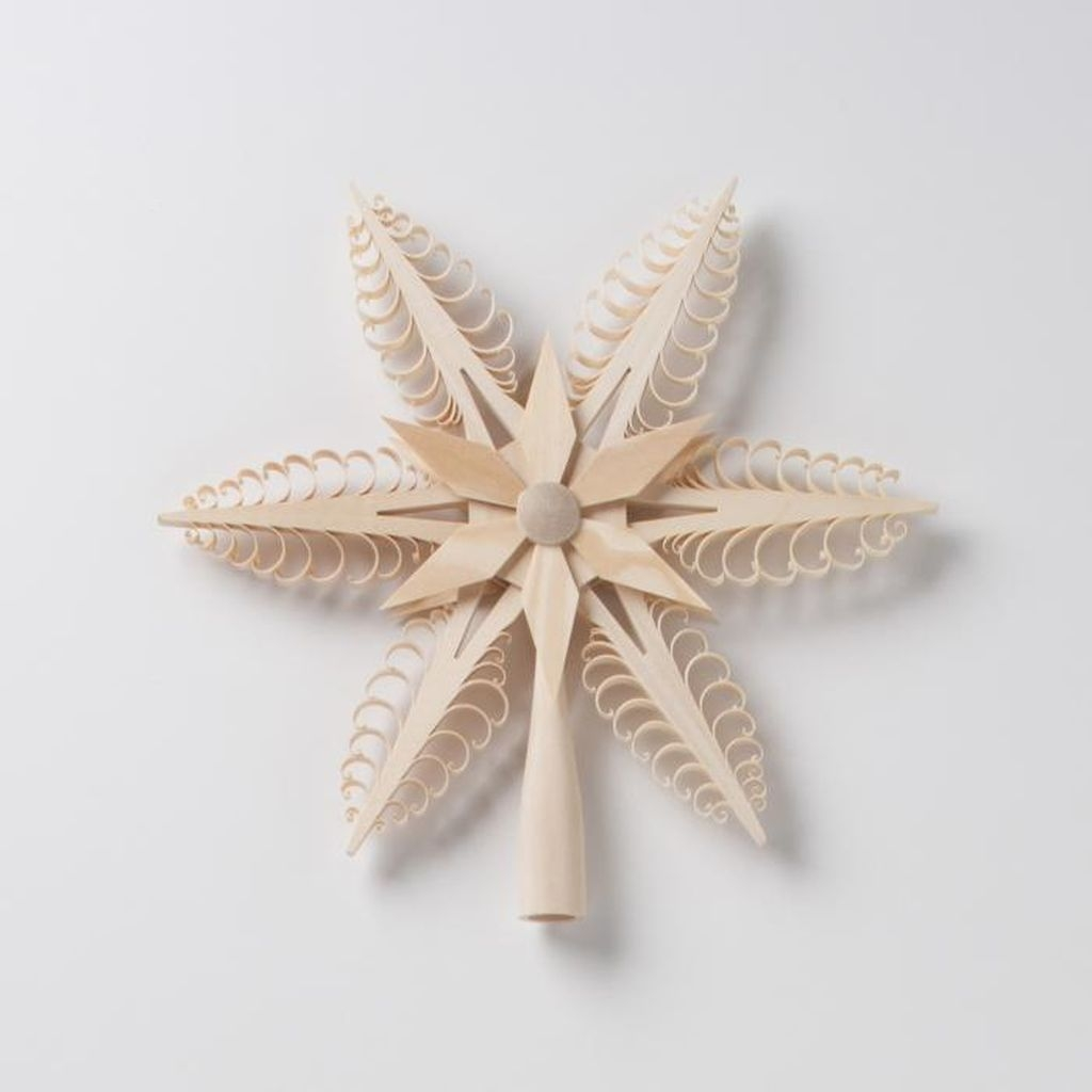 Unique But Inspiring Christmas Tree Toppers Decoration Ideas 49