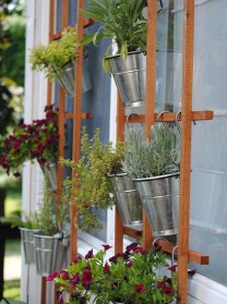 Awesome And Affordable Vertical Garden Ideas For Your Home 01
