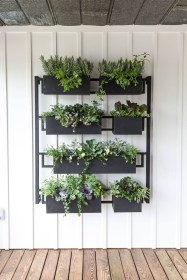 Awesome And Affordable Vertical Garden Ideas For Your Home 03