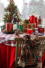 Cozy Plaid Decor Ideas For Christmas 31