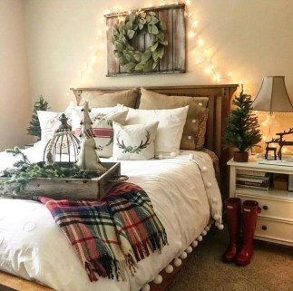 Cozy Plaid Decor Ideas For Christmas 39