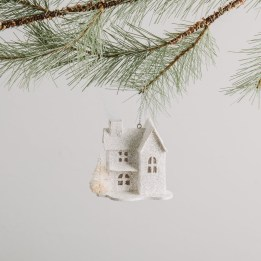 Cute Whimsical Christmas Ornaments Ideas For Your Holiday Decoration 24