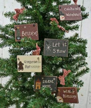 Cute Whimsical Christmas Ornaments Ideas For Your Holiday Decoration 36