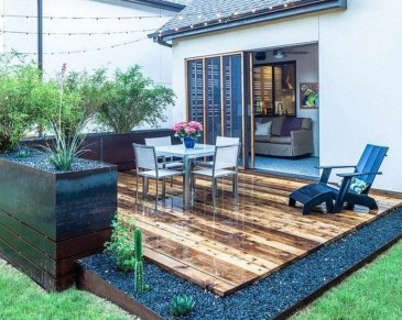 Gorgeous Wooden Deck Porch Design Ideas 13