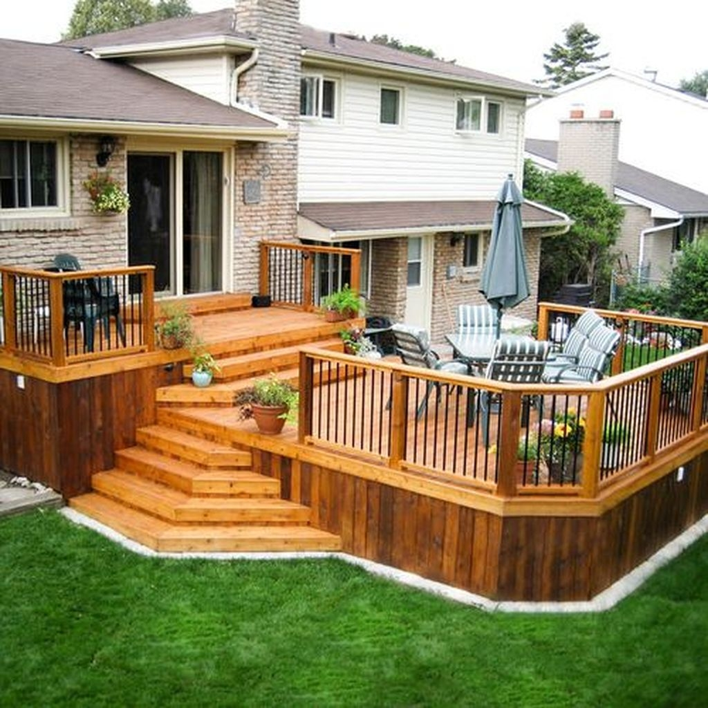 Gorgeous Wooden Deck Porch Design Ideas 21