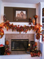Inspiring Rustic Fall Mantel Decoration Ideas 05