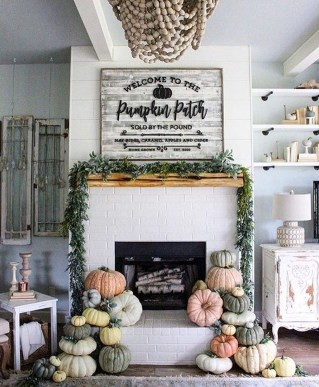 Inspiring Rustic Fall Mantel Decoration Ideas 07