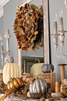 Inspiring Rustic Fall Mantel Decoration Ideas 08
