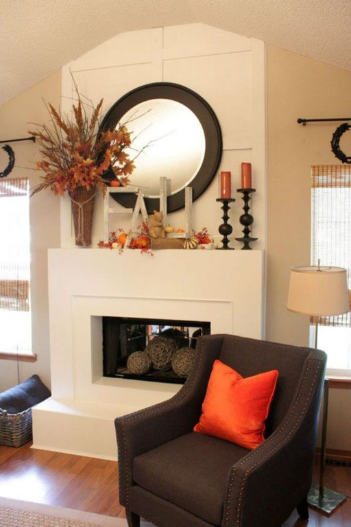 Inspiring Rustic Fall Mantel Decoration Ideas 46