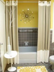 Lovely Sunny Yellow Bathroom Design Ideas 05