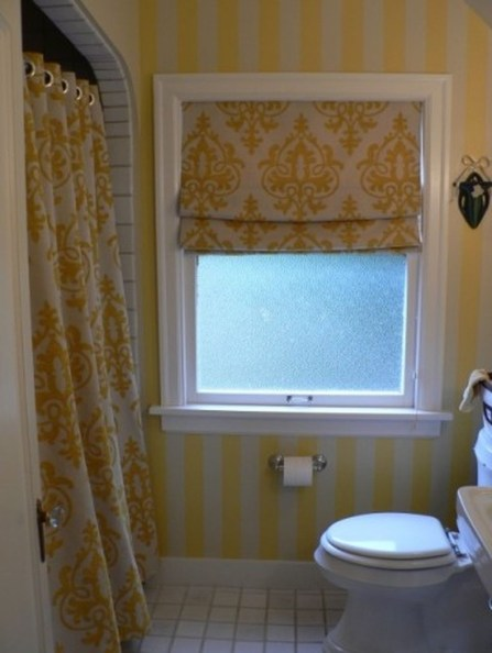 Lovely Sunny Yellow Bathroom Design Ideas 11