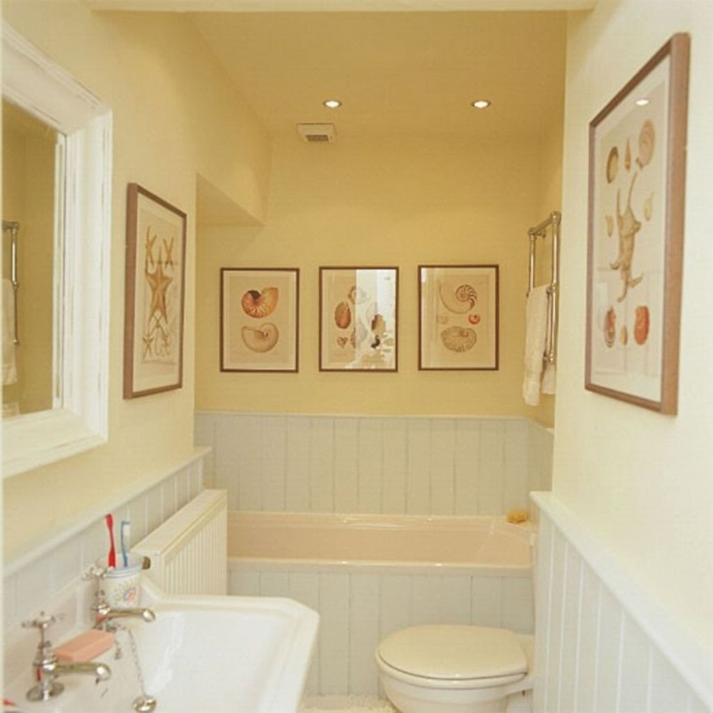 Lovely Sunny Yellow Bathroom Design Ideas 41