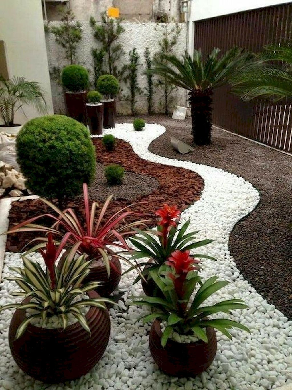 Beautiful Garden Design Ideas On A Budget 44