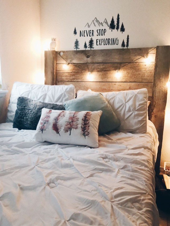 Best Room Decoration Ideas For This Winter 37