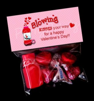 Cute Easy Valentine Candy Decorations 01