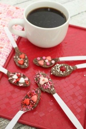 Cute Easy Valentine Candy Decorations 07