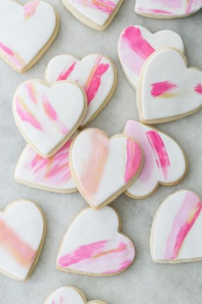 Cute Easy Valentine Candy Decorations 16