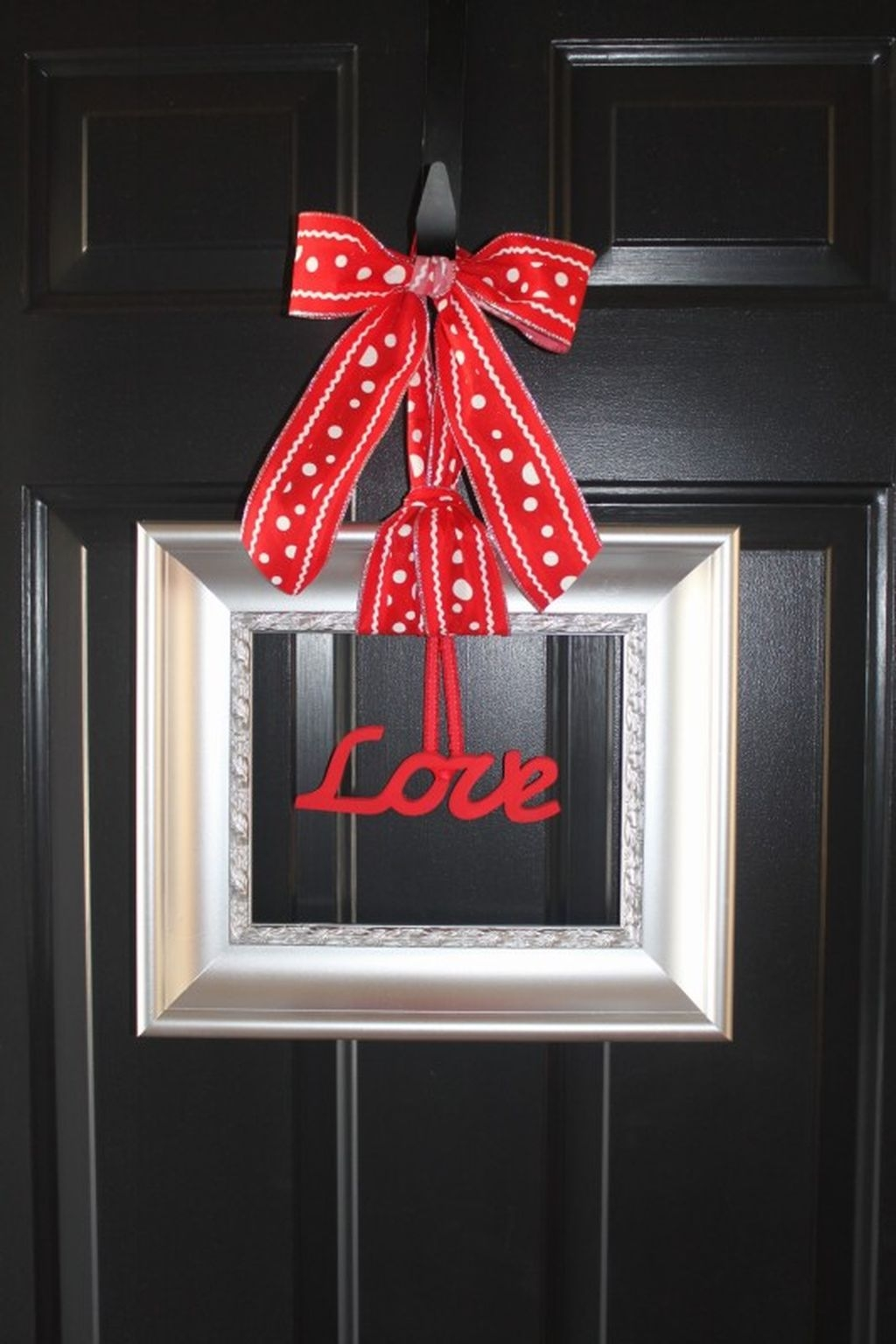 Cute Valentine Door Decoration Ideas You Should Try 35