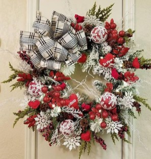 Cute Valentine Door Decoration Ideas You Should Try 38