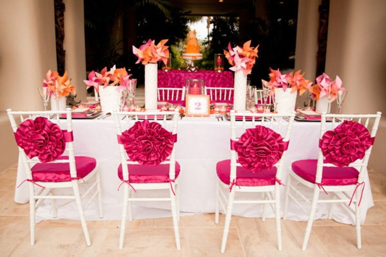 Cute Valentines Day Wedding Decoration Ideas 32