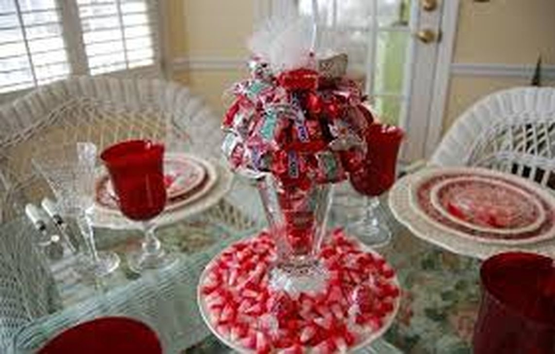 Inexpensive But Stunning Valentine Decoration Ideas 29