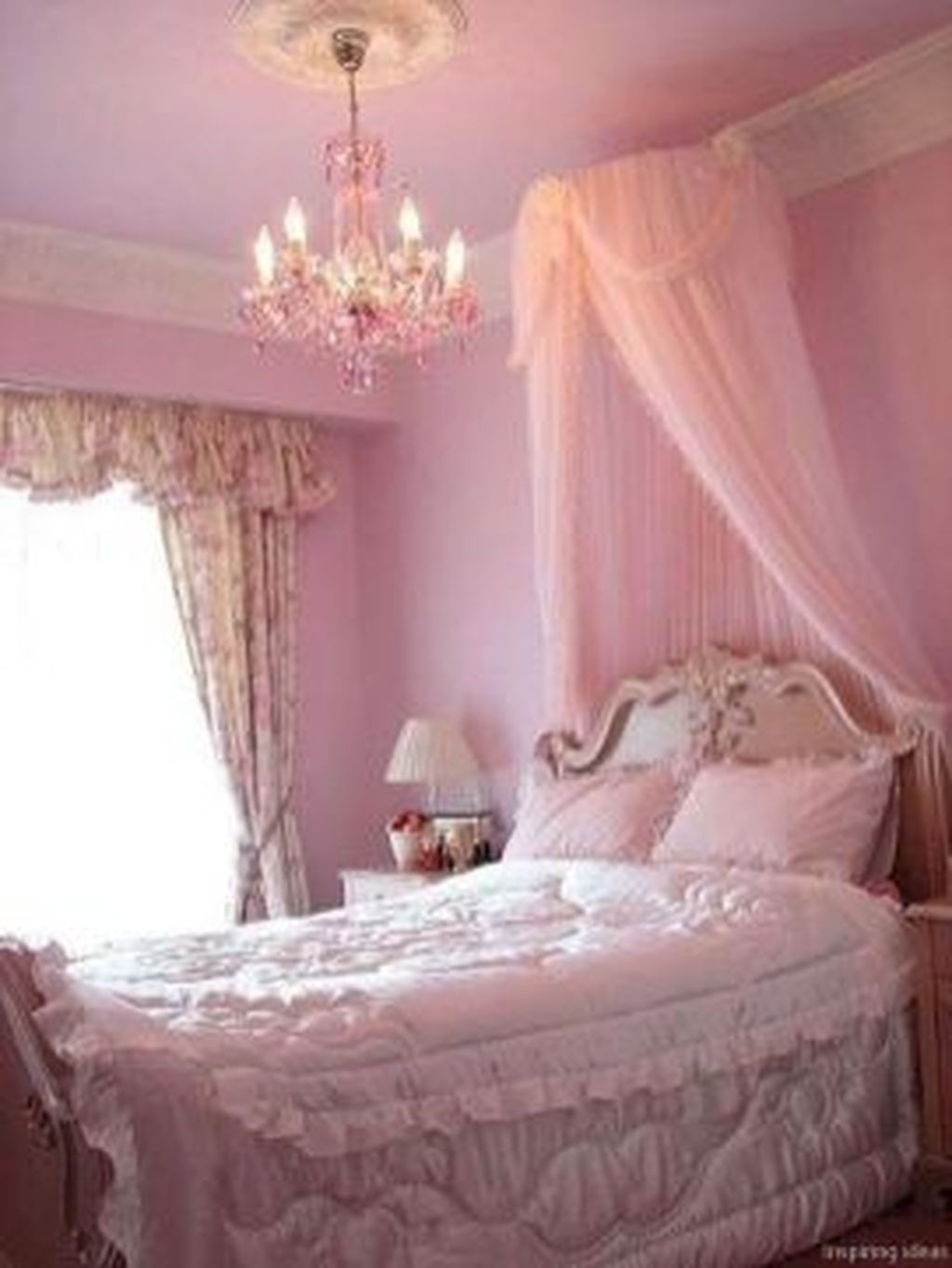 Romantic Bedroom Decorating Ideas For Valentines Day 33