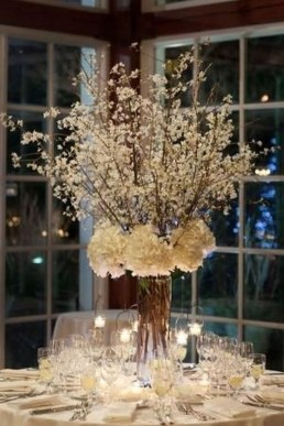 Stylish Winter Centerpiece Decoration Ideas 06