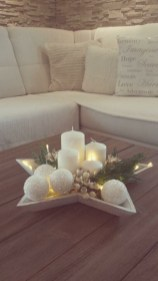 Stylish Winter Centerpiece Decoration Ideas 12