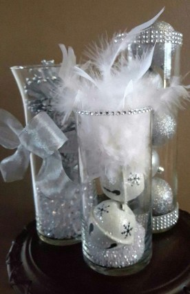 Stylish Winter Centerpiece Decoration Ideas 26