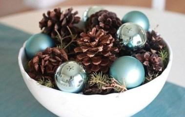 Stylish Winter Centerpiece Decoration Ideas 28