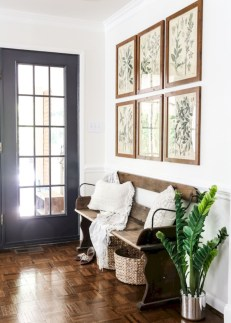 Adorable Farmhouse Entryway Decorating Ideas 15
