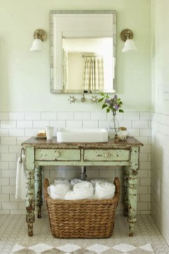 Adorable Modern Farmhouse Bathroom Remodel Ideas 08