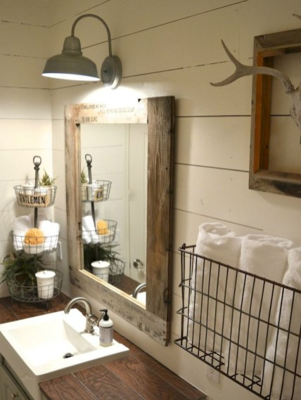 Adorable Modern Farmhouse Bathroom Remodel Ideas 18