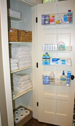 Brilliant Small Bathroom Storage Organization Ideas 43