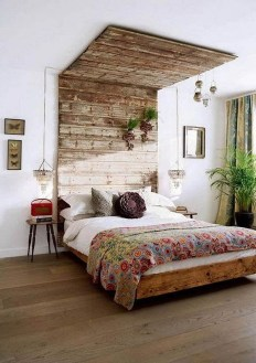 Cool Small Master Bedroom Decorating Ideas 23