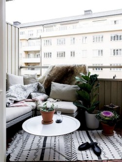 Cozy Apartment Balcony Decorating Ideas 15