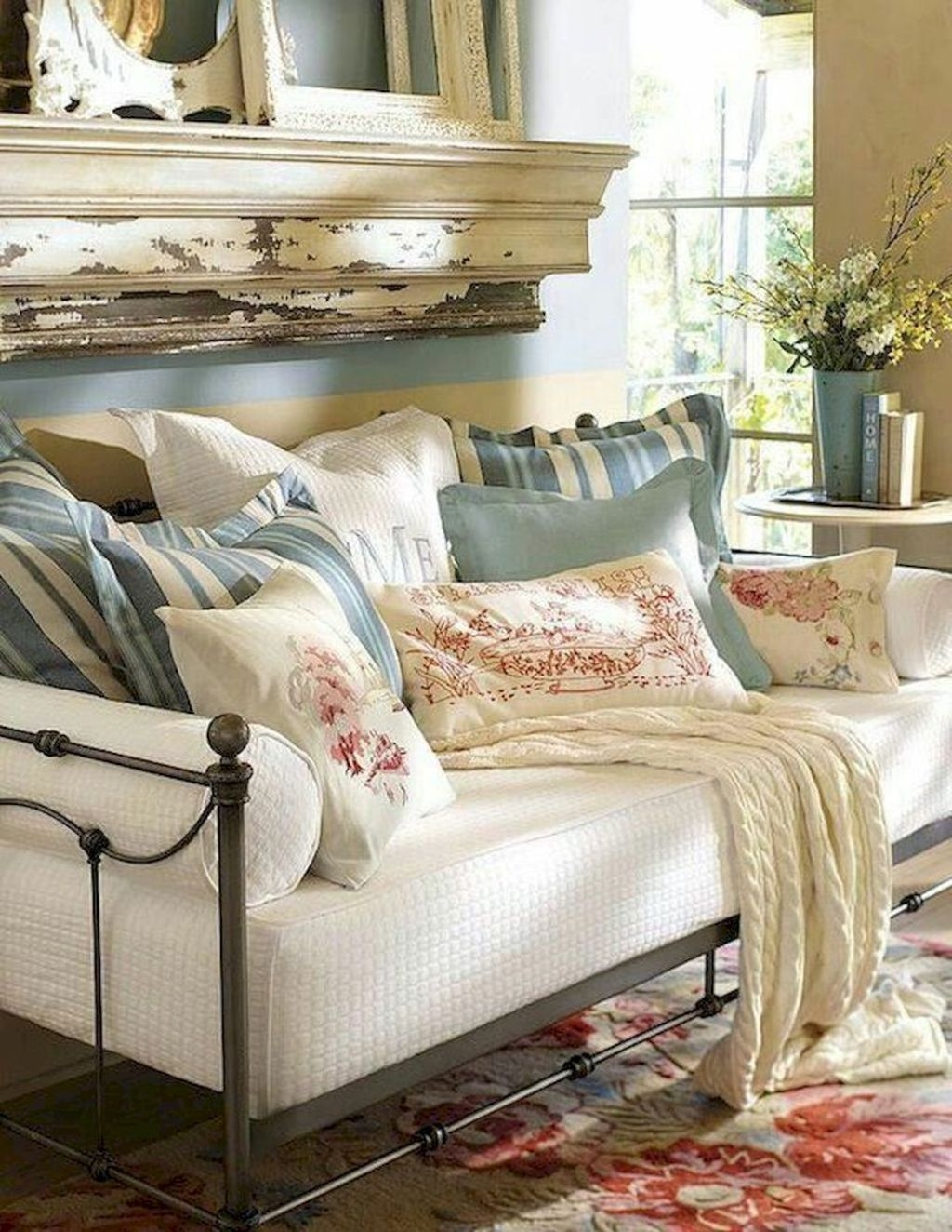 Cozy French Country Living Room Decor Ideas 02